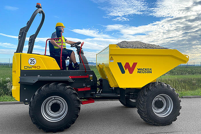 wheel dumper DW90 ROPS in action