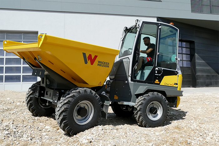 DW40 with cabin in application